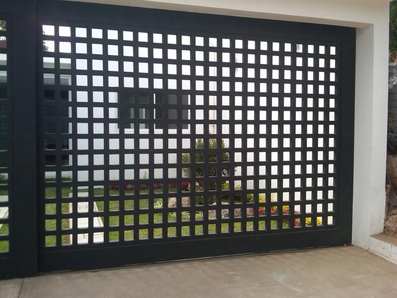 Fotos puertas puertas automaticas for Puertas de herreria de cuadros